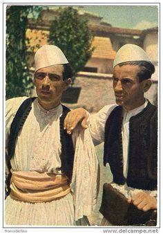 Kostume burrash gjirokastrike. Costumes masculins albanais de la région de Gjirokastër. Albanian men traditional clothing from the South cit...