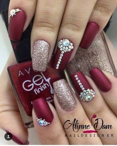 Love it! WEBSTA @ keycacau - unhas do perfil ❤️ Fancy Nails, Bling Nails, Red Nails, Love Nails, Glitter Nails, Pretty Nails, Hair And Nails, French Gel, Nail Accessories