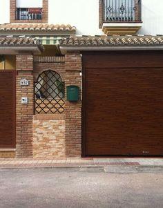 11 Ideas De Puerta Garaje Puertas De Garaje Puertas De Garage Portones Modernos Para Casas
