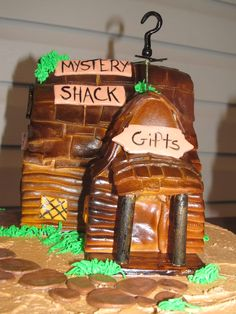 Another photo of the Gravity Falls cake....