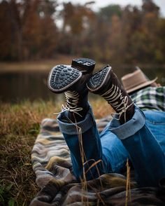 @woolrichinc sent me some boots to shoot. So my aunt and I went up to the lake with a BB gun today to shoot around. Here is a preview. #liveauthentic #livefolk #kentucky #kentuckykicksass. #explorekentucky. #woolrich. @woolrichinc