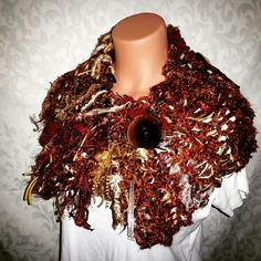 """""""New chunky cowl full of texture and fringe ready for the website.  Place your custom orders. ..... Www.Menmom.storenvy.com Menmomdesigns@gmail.com…"""""""