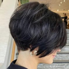 Short Hairstyles For Thick Hair, Haircuts For Fine Hair, Haircut For Thick Hair, Short Hair Styles Easy, Short Bob Haircuts, Short Hair With Layers, Short Hair Cuts For Women, Medium Hair Styles, Curly Hair Styles