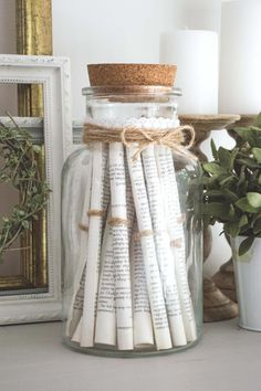 Upcycle old books into a gorgeous vintage-style rolled paper jar - in just 20 minutes! Perfect for farmhouse, cottage, or French country style decor, this quick & easy craft/DIY home decor project Diy Home Decor Projects, Easy Home Decor, Cheap Home Decor, Decor Crafts, Decor Ideas, Book Decorations, Craft Ideas, Diy Vintage, Vintage Stil