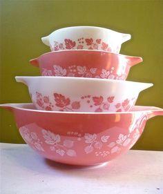 Vintage Pyrex Gooseberry Cinderella Bowls