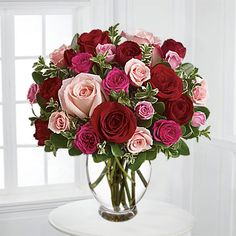 Flowers is a symbol of love! Send romantic flowers across the USA and around the world. Show love to loved ones by online romantic flowers delivery. Unusual Flowers, Romantic Flowers, Love Flowers, Beautiful Flowers, Fresh Flowers, Valentine Flower Arrangements, Rose Flower Arrangements, Flower Vases, Flower Art