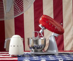 Smeg Stand Mixer SMF01 and kettle KLF01