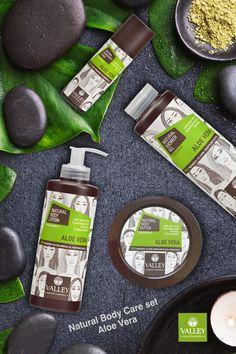 Spa αρωματοθεραπείας στο σώμα σας (Shower Gel, Body Lotion, Body Butter, Deodorant spray) με οργανική Aloe Vera για αντιγήρανση και ελαστικότητα στο δέρμα. Με άρωμα καθαριότητας και φρεσκάδας.  Φυσικά προϊόντα με επιπρόσθετα οργανικό εκχύλισμα ροδιού και οργανικό βούτυρο καριτέ.  Ελληνική μονάδα παραγωγής από το 1968. Θα τα βρείτε στα: Σκλαβενίτης, Hondos Center, Galerie de Beaute, My Market, Γαλαξίας Aloe Vera, Body Butter, Body Lotion, Body Care, Organic, Bath And Body, Moisturizer