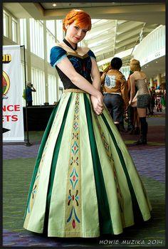 Disney's Frozen: Anna (Coronation Outfit) | MegaCon 2014 #cosplay