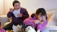 Children eating fast food~ Parents 'do not recognise obesity in their children' is putting their little hearts already in danger