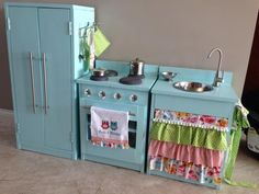 T's play kitchen | Do It Yourself Home Projects from Ana White