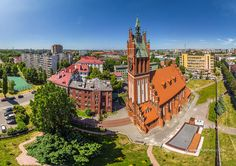 The history of the westernmost region of Russia and its administrative centre, now called Kaliningrad, began in the 13th century, when the King of Bohemia Premysl Otakar II wanted to make his own contribution to the Northern Crusades. In 1255 the fortress was founded at the mouth of the Pregolya River.. (Pinner, you will also see the a Museum of the Worlds Ocean)!