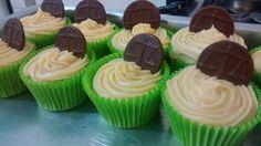 Justa encomenda! Cupcake grande de limão! #MyCake #GleideCake #NataliaCake #DoSeuJeito #Encomende #Sabor #Deliciosos #EuQuero