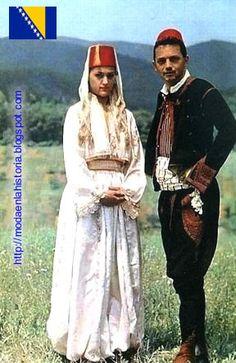 HISTORIA DE LA MODA - FASHION HISTORY : Trajes Típicos del Mundo - World costumes EUROPA Folklore, Folk Costume, Costumes, Anglo Saxon History, Fashion History, Traditional Dresses, World, Clothes, Gallery