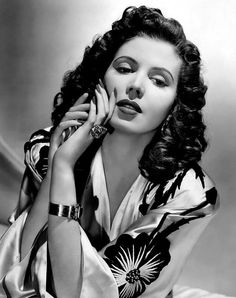 """Ann Miller ~ She was a great dancer. My favorite film of hers is """"You Can't Take It With You"""". A 1938 Frank Capra film. Lionel Barrymore, Spring Byington, Jimmy Stewart, Jean Arthur and Ann Miller. One of my all time favorite classics. Hollywood Icons, Old Hollywood Glamour, Golden Age Of Hollywood, Vintage Glamour, Vintage Hollywood, Hollywood Stars, Hollywood Actresses, Classic Hollywood, Vintage Beauty"""
