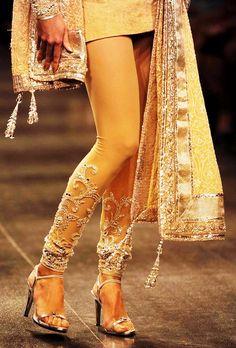 Neeta Lulla. Gorgeous leggings