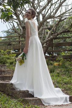 Casamento: vestido de noiva por menos de R$ 1 mil Conheça a primeira loja online no Brasil que vende vestidos e acessórios sem ultrapassar a faixa dos R$ 1 mil