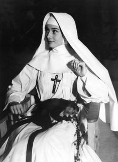 On the set of The Nun`s Story/История Audrey Hepburn Quotes, Audrey Hepburn Style, The Nun's Story, Nun Costume, I Look To You, Angel Aesthetic, Bride Of Christ, Beautiful Lips, Mother Mary