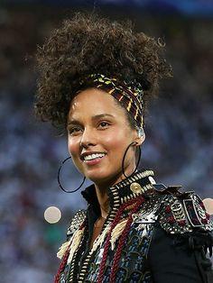 12 Ways to Wear a Head Scarf: Alicia Keys | Allure.com