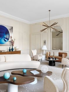 The living room of a grand apartment on the second floor of mansion on Ile Saint-Louis, Paris France. By Agence DL-M Sconces Living Room, Chandelier In Living Room, Living Room Upholstery, Sofa Upholstery, Interior Design Magazine, Office Interior Design, Design Offices, Modern Offices, Ile Saint Louis