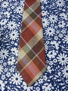 Cravate large tweed motif carreaux - accessoire homme funky - vintage années 70 / Wide plaid pattern tweed neck tie - men's boho accessory - French 70s vintage