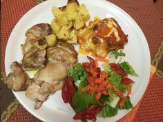 Piatto unico : lasagna pollo patate e insalata