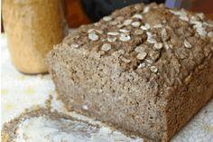 E' buono e dura una settimana, il pane senza glutine alla farina di canapa e grano saraceno è facile da fare, non contiene lievito e si prepara velocemente.