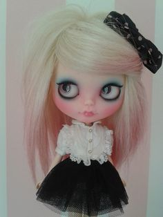 Rosichi Blythe Black Skirts #newskirts #BlackSkirts #Black #sunayildirim #Skirts  #womenfashion www.2dayslook.com
