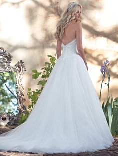 @Bellethemagazine wedding dresses   Maggie Sottero Spring 2016   Floor White Ball Gown Sweetheart $$ ($1,001-2,000)