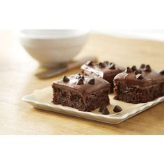 Get excited for CHIPITS Ultimate Chocolate Brownies. These easy-to-make brownies are made with HERSHEY'S Cocoa and CHIPITS Special Dark Chocolate Chips. You'll be amazed at how something so tasty could be so easy to make. Gluten Free Deserts, Gluten Free Sweets, Gluten Free Chocolate, Foods With Gluten, Gluten Free Baking, Gluten Free Cookies, Gluten Free Recipes, Baking Recipes, Brownie Sans Gluten
