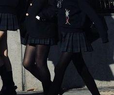 Fashion Pants, Look Fashion, Girl Fashion, Fashion Outfits, Boarding School Aesthetic, Private School Girl, Private School Uniforms, School Uniform Outfits, Mode Kpop