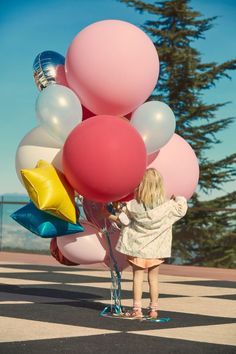 These balloons color combination really makes you happy. Little People, Little Girls, Foto Baby, Festa Party, Fashion Kids, Kind Mode, Belle Photo, Baby Love, Cute Kids
