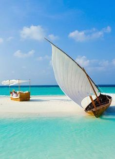 I have been wanting to go to Maldives ever since I learned about it last year in geography class, so beautiful!!!
