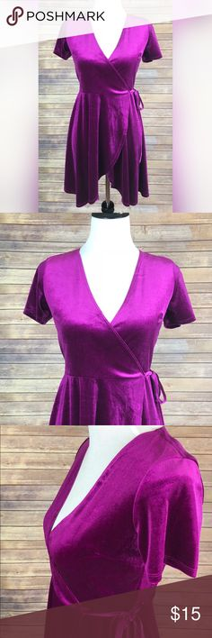 ✨Forever 21 Magenta V-Neck Velvet Dress ❤️🌺 BEAUTIFUL Velvet Magenta Dress   ✨Tie string to wrap around dress  ✨Deep v-neck  ✔️BNWOT  ✔️Never worn  ✔️Perfect Condition   I am willing to ⬇️  the price,  like ❤️ the product and or leave me a comment! Forever 21 Dresses Mini
