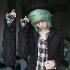 My hair is about that sort right now, but I don't have the band like that. Emo Scene Hair, Emo Hair, Dye My Hair, Boy Hairstyles, Pretty Hairstyles, Green Hair, Blue Hair, Cosplay Anime, Emo Girls