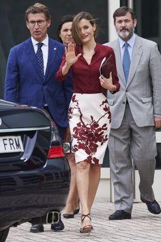 Queen Letizia looked fabulous in an all burgundy ensemble.