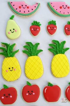 Apple strudel tea flavored cut out cookie recipe. Perfect and delicious base for decorated cookies. Ideas for fruit decorated cookies. Cut Out Cookie Recipe, Cut Out Cookies, Iced Cookies, Cookies Et Biscuits, Kawaii Cookies, Cute Cookies, Mini Cookies, Fancy Cookies, Cookie Icing