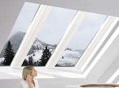 Wohnen unter dem Dach fasziniert immer mehr Menschen - verbunden mit gewachsenen Ansprüche: Große Lichtflächen, hoher Komfort und architektonische Raffinesse sind gefragt. Mit dem Panorama-Dachfenster Azuro setzt Roto solche Vorstellungen um.