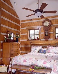 Log Home Bedroom - more homes like this in Colorado http://www.logcabindirectory.com/states/colorado/