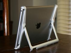 Super Cool Gadgets / Mobile Stand for iPad Air