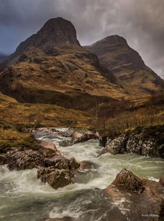 📸 by Scott Mckraig shooting 2 of the 3 Sisters in Glencoe Valley ⛰🏴󠁧󠁢󠁳󠁣󠁴󠁿 Scotland Mountains, Glencoe Scotland, Glen Coe, Scottish Highlands, Scotland Travel, Water Features, Britain, Beautiful Places, Scenery