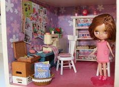 craftroom in my dollhouse