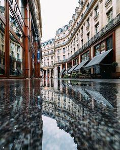 Rainy days in Paris #Paris #France #parisjetaime #parismaville #igersparis #topparisphoto #loves_paris #igersfrance #loves_france_ #super_france #france_vacations #france_holidays #instagramfr #Parigi #ig_europe #living_europe