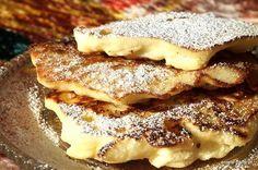 """Lekkie i puszyste placki z mąki ryżowej, jabłek, jajek i jogurtu można przygotować w kilkanaście minut. Składników jest niewiele, a ich dostępność bardzo duża. Efekt natomiast jest bezglutenowy, szybki i """"pyszny"""" :) Jest to jeden z tzw. """"bezproblemowych"""" przepisów na śniadanie, obiad czy deser. Gluten Free Recipes, Healthy Recipes, Special Recipes, Breakfast Recipes, Pancakes, French Toast, Deserts, Paleo, Pork"""
