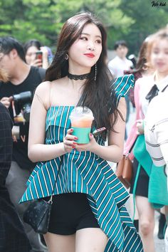 Kpop Girl Groups, Korean Girl Groups, Kpop Girls, Extended Play, Kpop Fashion, Korean Fashion, Mode Bollywood, Ariana Grande Photoshoot, Soyeon