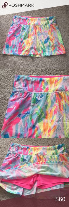 "NWT Lilly Pulitzer luxletic skirt sz sm Brand new luxletic Josephine skort in sparkling sands ! Built in neon pink shorts ! Waist measures 15.5""and length is 13"" Lilly Pulitzer Skirts"
