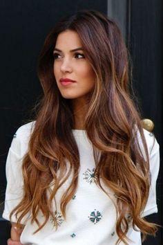 Tagli capelli fini: lunghi e ondulati
