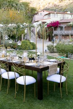 Gold, green and black reception details