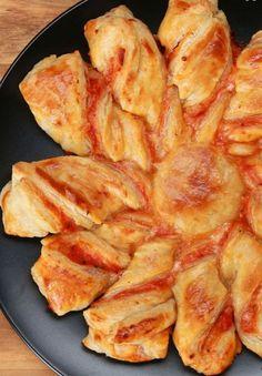 Pizza-Blätterteig-Twists | 8 einfache Snacks für den TV-Abend, wenn Du fauler als ein Faultier bist