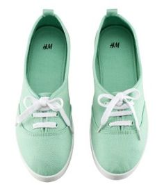 Mint Shoes I think I'm finally ready to reintroduce keds into my wardrobe H&m Shoes, Cute Shoes, Me Too Shoes, Shoe Boots, Shoe Bag, Shoes Sneakers, Mint Green Shoes, Green Sneakers, Color Menta